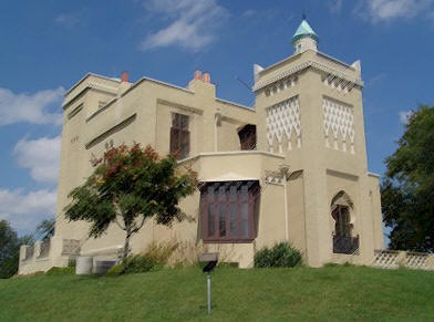 HauntedIllinois.com - Troy Taylor's Review of haunted Villa Kathrine in Quincy, Illinois.